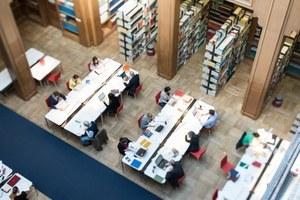 Bibliothek: Verlegung des Bibliothekseingangs vom 15. bis 17. Oktober  wegen Umbauarbeiten