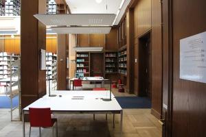 Neue Arbeitsplätze in der Bibliothek