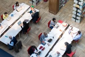 Stellenausschreibung Bibliothek //  Wissenschaftliche Mitarbeiterin / Wissenschaftlicher Mitarbeiter in Vollzeit (befristet)