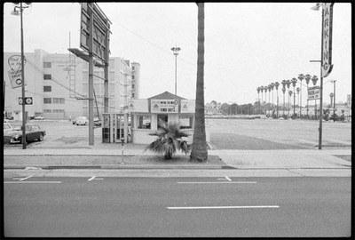 Eva Ehninger - Ed Ruscha, Sunset Boulevard (shoot: June 11, 1966; filmstrip 270, image 0007), Getty Research Institute, Los Angeles 2019