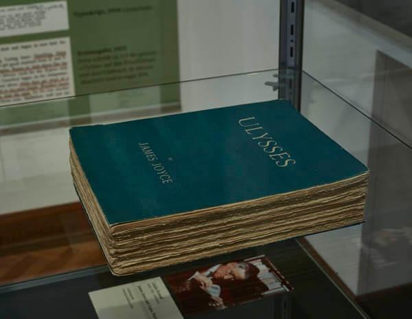 Vortrag Mechthild Haas // James Joyce: »Ulysses«, 1922  Paris: Shakespeare and Company. Erstausgabe Foto: Wolfgang Fuhrmannek, HLMD 2021