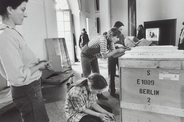 Online-Workshop //  Isabelle Lindermann: Die Kunst, nicht dermaßen ausgestellt zu werden: Selbstorganisation und feministische Kritik als Ausstellungspraxis in den 1970er Jahren
