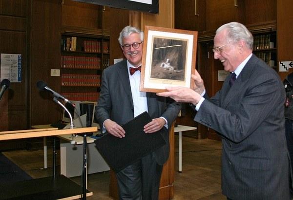 Dank an Herzog Franz durch den Vorsitzenden des Freundeskreises CONIVNCTA FLORESCIT, Robert Bruce Livie (links)