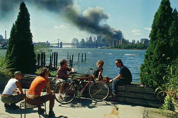 Linda Kirschey: Fotografie des Terrors Eine Studie über die politische Ikonographie und die Wirkmacht der Bilder von 9/11