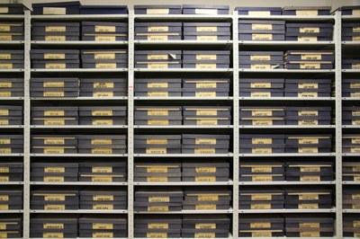 Blick in das Depot des Bruckmann-Archivs